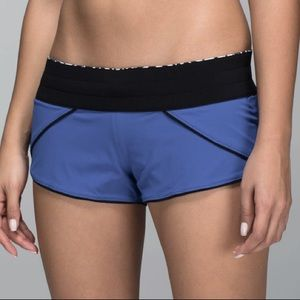 LULULEMON Reversible Mini Jogger Shorts